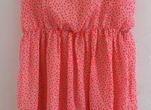 فستان للفتيات لونه زهري