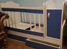 سرير مواليد للبيع 100دينار كما بالصورة للبيع اتصال على الرقم 0913826875