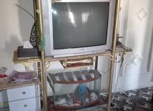 تلفزيون مع بوفيه حديد