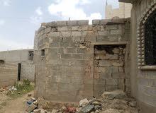 بيت عررررطه في حزيز 3لبن مبني عليها كامل بدون تشطيب