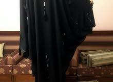 عباية نسائيّة من دبي مراكة الفراشه معروفه ..خامتها ممتازة جدّاً اللّون ...سوداء