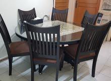 طاولة دائرية ( 6 ) كراسي