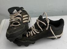 حذاء اديداس ابو البسامير لكرة القدم