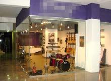 مدرسة و معرض موسيقى بكامل التجهيزات والديكور للبيع في الصويفية / Music school and Showroom