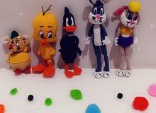شخصيات كرتونية ودمى وألعاب أطفال مصنوعة من الكروشية
