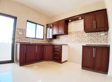 شقة جديدة سوبرديلوكس 140م للبيع في المقابلين مع مطبخ مميز هدية