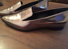 حذاء جديد من Guess