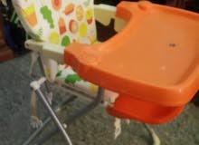 كرسي اطفال بحالة ممتازة للبيع