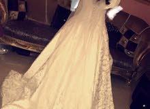 فستان عروسه فرنسي للبيع