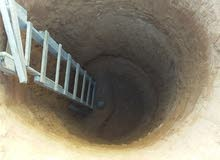 عمال حفر بيارات متر 90 داخل مسلاته فقط