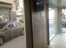 محل تجاري للبيع  بجانب صالة الياسمين على دور معصوم