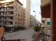 للبيع شقة في شارع رئيسي بواجهة بحربي مسجلة في شاطئ النخيل