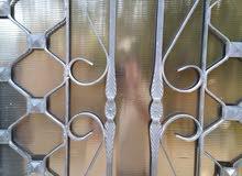 صيانة الزجاج المكسور وتفصيل جميع انواع الزجاج
