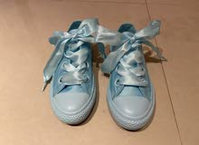 Converse Cyant tint color