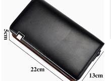 محفظة و حقيبة فاخرة بتصميم عصري