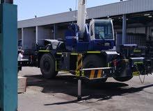 Tadano crane : 2014 model / 3900 hrs / 30 tons ... very good condition same like