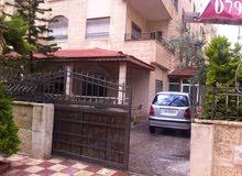 شقة ارضية مميزة للبيع في الجندويل 160م مع حديقة وترسات 200م