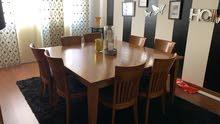 غرفة طعام عدد 8 اشخاص مع بوفيه والسجاده والستاره هديه