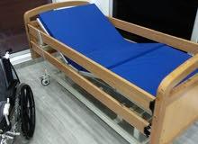 للبيع سرير طبي.. كراسي متحركة.. للمرضي والمعاقين موتور انجليزي