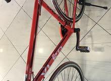 دراجه هوائيه مصممه لطرق فقط رياضيه