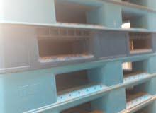 طبالي خشب وبلاستك  البيع 99086733