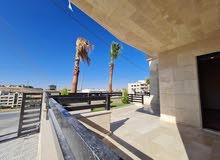 شقة أرضية 220 م في اجمل موقع قرية النخيل للبيع