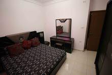 شقة مفروشة للايجار في شارع الجامعة عمان الاردن – خلف روان كيك بسعر مغري جداً من المالك مباشرة