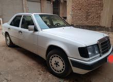 مرسيدس بنز E200  1989