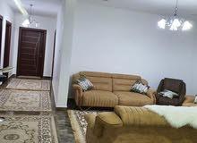 شقة سكنية ممتازة كبيرة روعه في التشطيب في قرقارش الدور التاني
