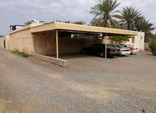 للبيع منزل عادي ولاية صحم منطقة المعقلة ورا صيدلية الصحة موقع جميل