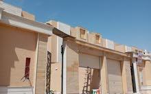 للبيع فيلا دبلكس درج صالة المساحة 300 متر في حي مشارف الحزم