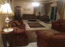 شقة طابقية مميزة للبيع في عبدون طابق ثاني 300م بسعر مغري 195000