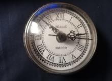 ساعة قديمة جدا للبيع