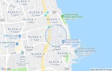 الفنطاس قطعة واحد شارع واحد مطلة على شارع الفححيل السريع الشقة 2غرفة و2 حمام وصا