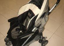 عربة اطفال peg-pérego شبة جديدة بالكامل