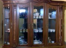 خزانة دار اكل وطاولة للبيع
