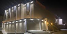 للبيع فيلا دبلكس درج صالة المساحة 245 متر حي العزيزية