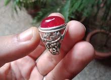 خاتم ملكي من الفضة مزخرف يدويا مرصع بحجر الياقوت الاحمر الأصلي