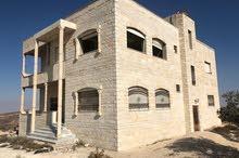 فيلا سكنية و استثمارية للبيع مشطبة بنسبة 80%