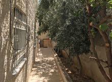 منزل مستقل أربع واجهات حجر طابق وتسويه حي عدن للبيع او البدل على شقه