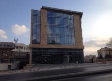 معرض و مكاتب تجارية مميزة للايجار في البيادر بجانب هيئة تنظيم قطاع الطاقة و المعادن