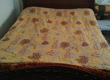 سرير مزدوج مع فرشة زمبركية السعر قابل للتفاوض