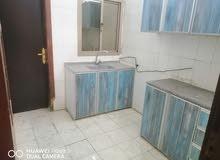 للايجار شقه شامل في المحرق غرفتين وحمامين ومطبخ وصاله ومنور
