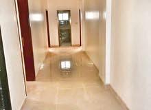 شقة 4غرف واسعةوجديدة تشطيب لوكس من وإلى في قلب عدن