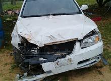 ابحت عن مقدمة سيارة افانتي 2005 كاملة بالفنارات اللون ابيض
