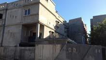 منزل للبيع في منطقة أبوسليم الشعبية يتكون من 3 أدوار مسقوف كل دور 260 متر الدور