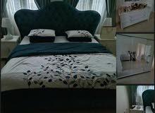 للبيع غرفة نوم بحالة ممتازة من هوم سنتر سرير وخزانة ثلاث ابواب كبيرة وتسريحه وكم
