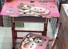 طاولات مدرسيه بتصميم رائع تساعدالطفل على حل واجباته المدرسيه بارتياح