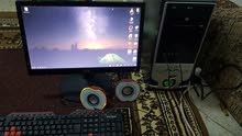 كمبيوتر مكتبي   للبيع مع شاشه و كيبورد ماوس و سماعات بحاله ممتازه