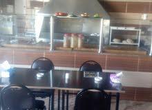 مطعم ديكور كامل طابقين مع صاله ارضيه سعري مغري جدا يحال البلاش